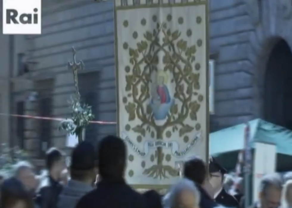"""La """"Pasqua del macellaio"""", organizzata dalla Confraternita di Santa Maria della Quercia dei Macellai di Roma, al Tg2"""
