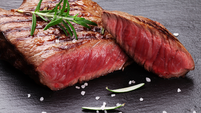 "Parlamento europeo: ""No alla finta carne. Pronti alla battaglia in Europa per difendere il Made in Italy"""